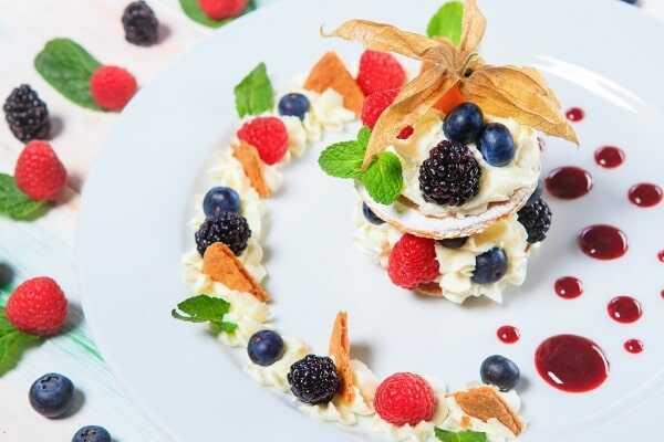 «Мильфей из лесных ягод» - в ресторане Пикассо Казань