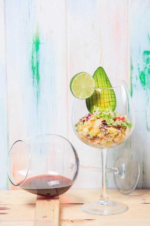 «Салат с мясом краба, авокадо и яблоком» - в ресторане Пикассо Казань